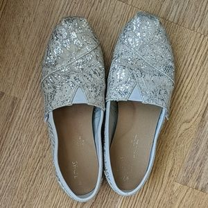 Toms size 7.5 sparkly silver
